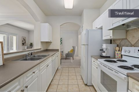 Traditional Style Kitchen at Camden Crest Apartments in Raleigh, NC