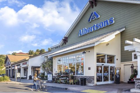 Albertson's Grocery Close to Camden Crown Valley Apartments in Mission Viejo, CA