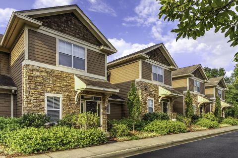 Townhomes at Camden Deerfield Apartments in Alpharetta, GA