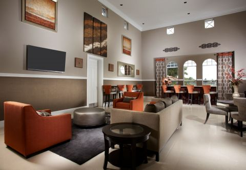 Resident Lounge at Camden Doral Villas Apartments in Doral, FL