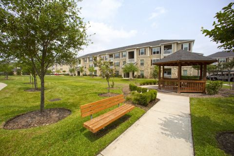 Scenic Walkways and Gazebos at Camden Downs at Cinco Ranch Apartments in Katy, TX