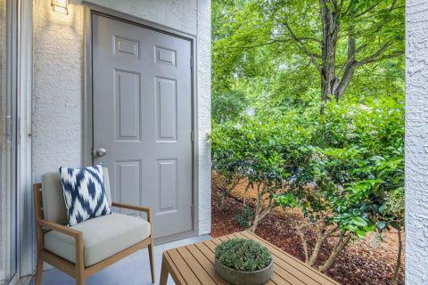 Patio at Camden Dunwoody Apartments in Dunwoody, GA