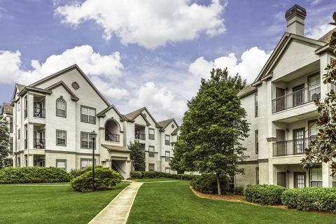 Exterior at Camden Dunwoody Apartments in Dunwoody, GA