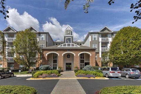 Welcome Center at Camden Fair Lakes Apartments in Fairfax, VA