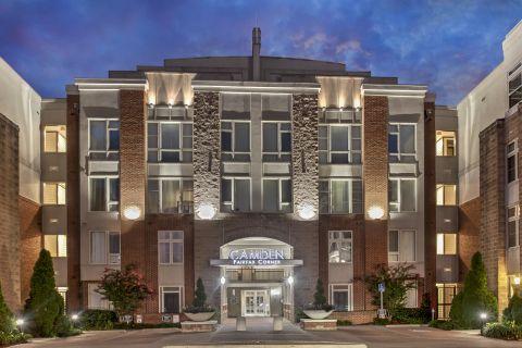 Welcome Center at Camden Fairfax Corner Apartments in Fairfax, VA