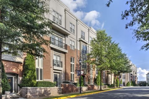 Street Access Apartment Homes at Camden Fairfax Corner Apartments in Fairfax, VA