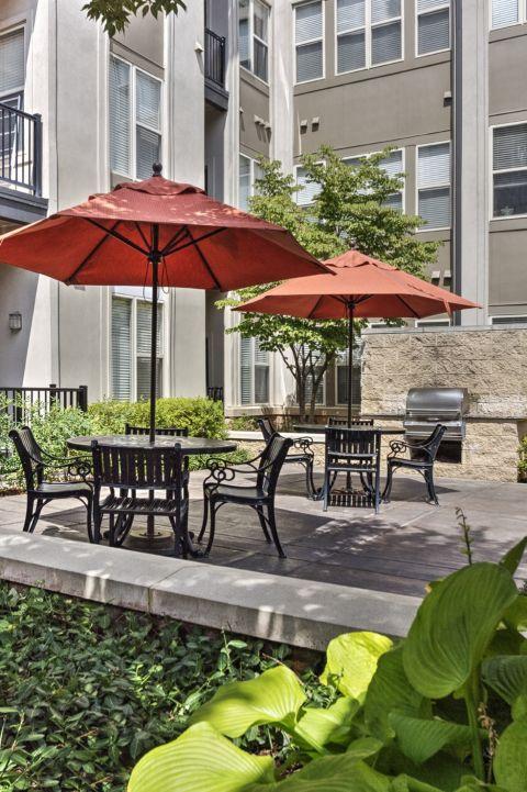 Courtyard with Seating at Camden Fairfax Corner Apartments in Fairfax, VA
