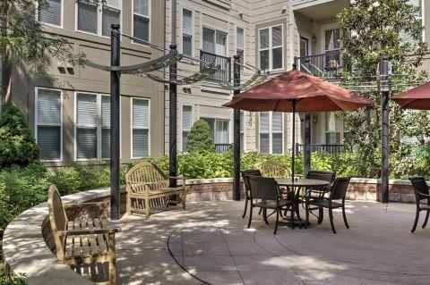 Courtyard at Camden Fairfax Corner Apartments in Fairfax, VA