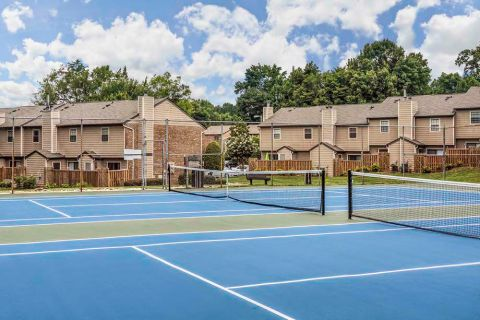 Tennis Court at Camden Foxcroft in Charlotte, North Carolina