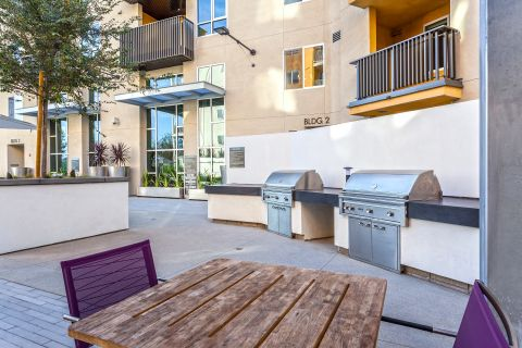 BBQs at Camden Glendale Apartments in Glendale, CA