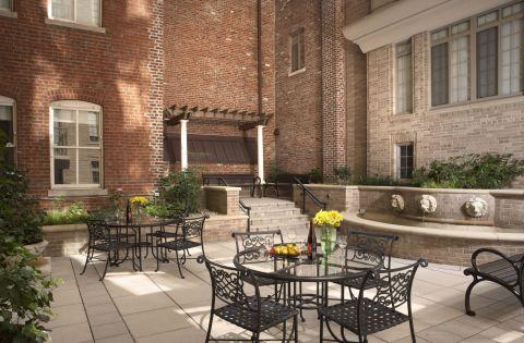 Courtyard at Camden Grand Parc Apartments in Washington, DC