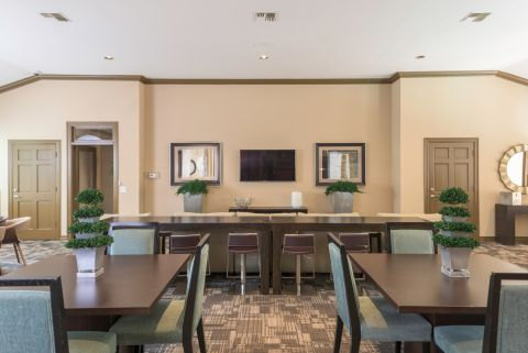 Resident Lounge at Camden Greenway Apartments in Houston, TX