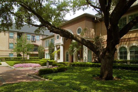 Welcome Center at Camden Greenway Apartments in Houston, TX