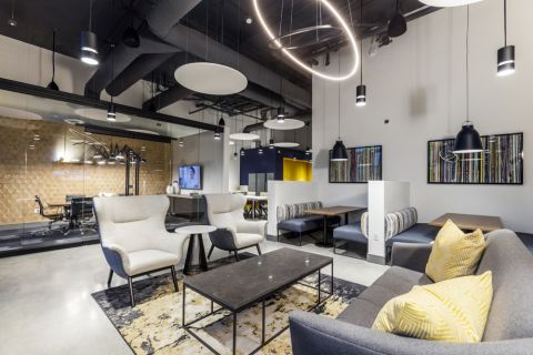 The Hub work seating area at Camden Harbor View Apartments in Long Beach, CA