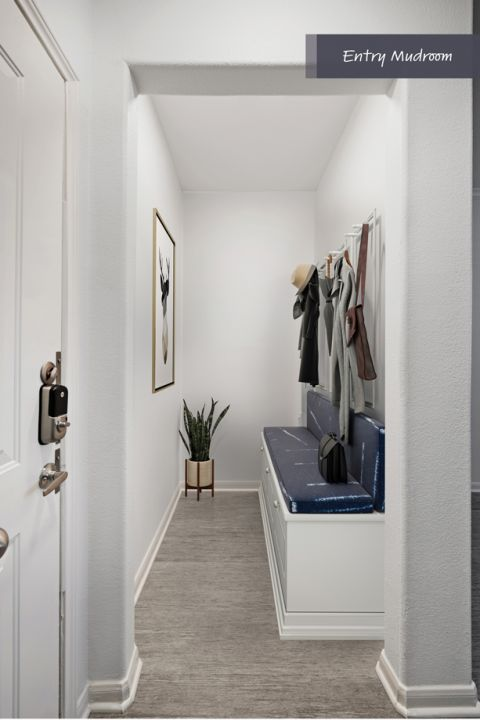 Entry mudroom at Camden Heights Apartments in Houston, TX