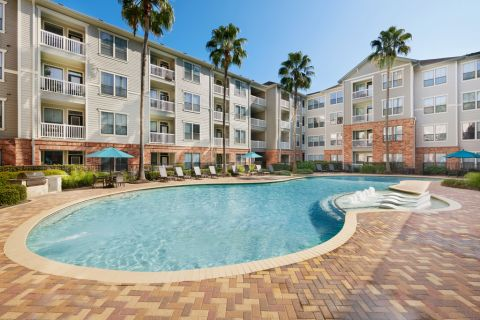 Swimming Pool at Camden Heights Apartments in Houston, TX