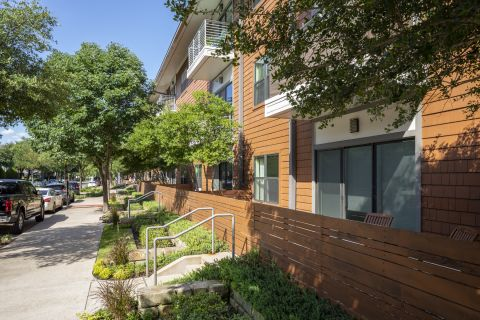 Patios and Yards at Camden Henderson Apartments in Dallas, TX