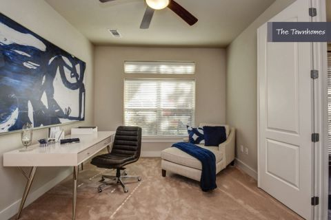 Flex Space at The Townhomes at Camden Highland Village in Houston, TX