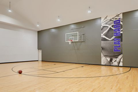 Indoor Basketball Court at Camden Holly Springs Apartments in Houston, TX