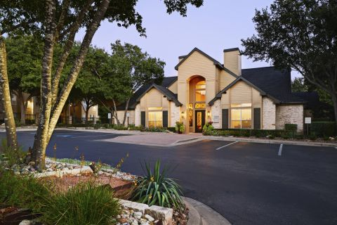 Welcome Center Dusk View at Camden Huntingdon Apartments in Austin, TX