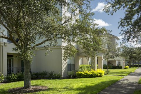 Apartments at Camden Lago Vista Apartments in Orlando, FL