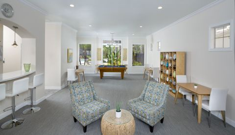 Resident Lounge at Camden Lago Vista Apartments in Orlando, FL