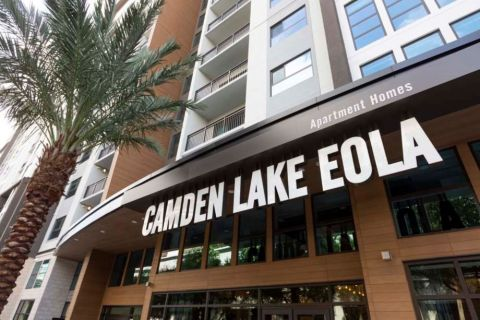 Leasing Center at Camden Lake Eola in Downtown Orlando, Florida