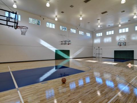 Basketball Court at Camden Lakeway Apartments in Lakewood, CO