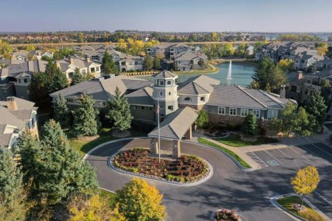 Exterior at Camden Lakeway Apartments in Lakewood, CO