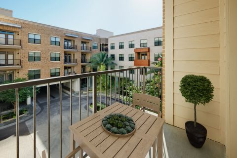 Outdoor Living Space at Camden Lamar Heights Apartments in Austin, TX