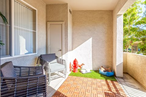 Patios at Camden Landmark Apartments in Ontario, CA