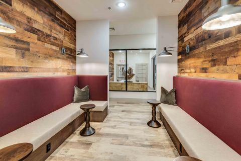 Lounge Kitchen at Camden Lansdowne Apartments in Lansdowne, VA