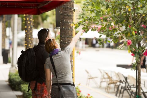 Walkable Neighborhood at Camden Las Olas Apartments in Fort Lauderdale, FL