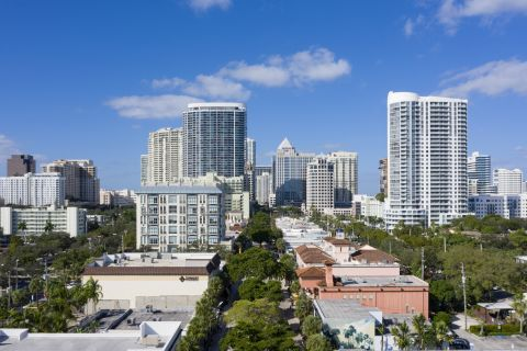 Las Olas Boulevard at Camden Las Olas Apartments in Fort Lauderdale Florida