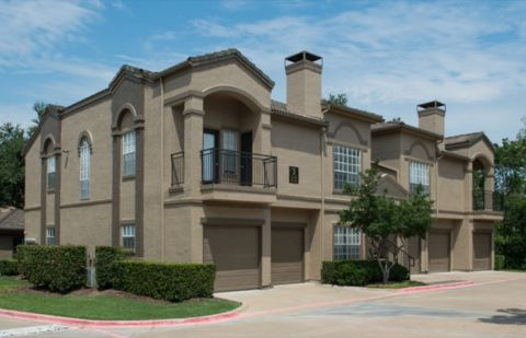 Exterior of Building at Camden Legacy Creek Apartments in Plano, TX