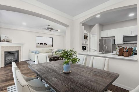 Dining Area at Camden Manor Park Apartments in Raleigh, NC