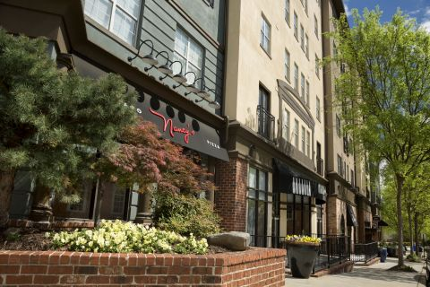 Nearby Pizza Shop at Camden Midtown Atlanta Apartments in Atlanta, GA