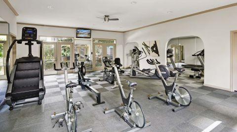Fitness Center at Camden Midtown Houston Apartments in Houston, TX