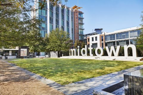 Midtown Bars, Restaurants and Shopping within Walking Distance at Camden Midtown Houston Apartments in Houston, TX
