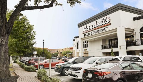Randall's Grocery Store in Neighborhood at Camden Midtown Houston Apartments in Houston, TX
