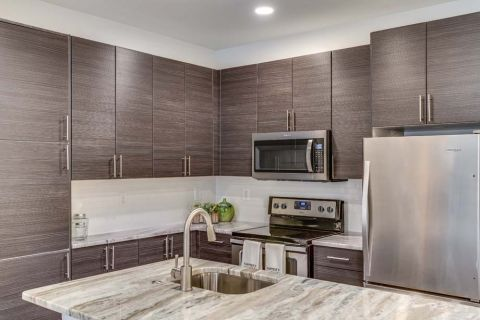 Newly Renovated Kitchen with Granite Counters at Camden Monument Place Apartments in Fairfax, VA