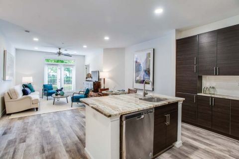 Newly Renovated Kitchen with Stainless Steel Appliances at Camden Monument Place Apartments in Fairfax, VA