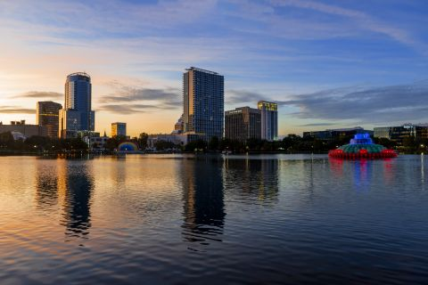 Lake Eola near Camden North Quarter Apartments in Orlando, Florida