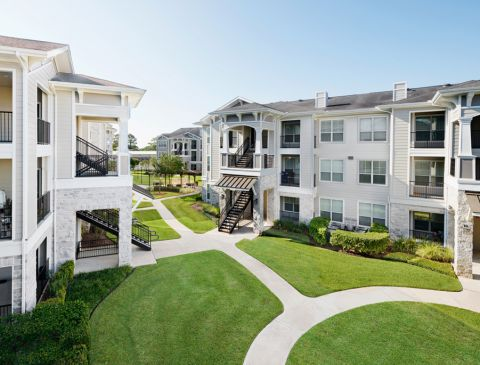 Green space at Camden Northpointe Apartments in Tomball, Texas