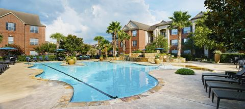 Beach Front Entry Pool with Lap Lane at Camden Oak Crest Apartments in Houston, TX