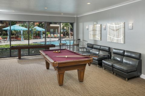 Resident Lounge at Camden Orange Court Apartments in Orlando, FL
