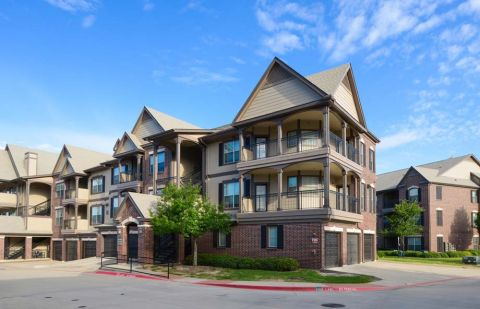 Exterior of Camden Panther Creek Apartments in Frisco, TX