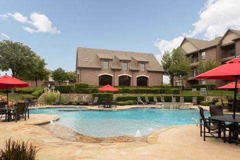 Spacious pool at Camden Panther Creek Apartments in Frisco, TX