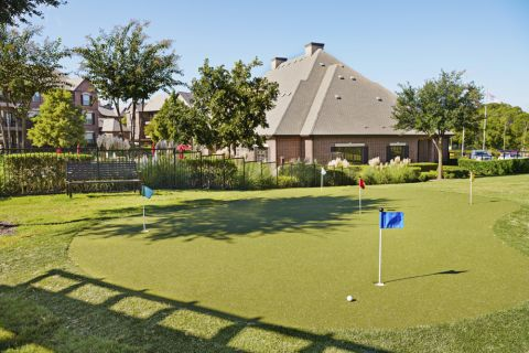 Camden Panther Creek apartments Frisco, TX putting green