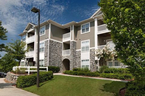 Exterior of Building at Camden Peachtree City Apartments in Peachtree City, GA